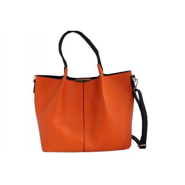 Дамска чанта от естествена кожа цвят портокал,комбиниран с черни дръжки