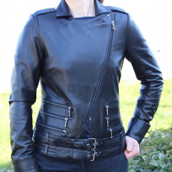 Дамско яке от Агнешка кожа цвят черен