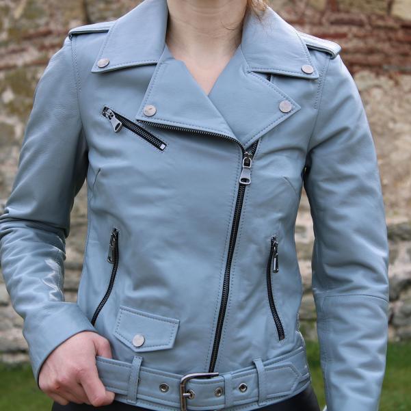Дамско яке от Агнешка кожа цвят сиво