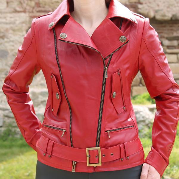 Дамско яке от Агнешка кожа цвят червен