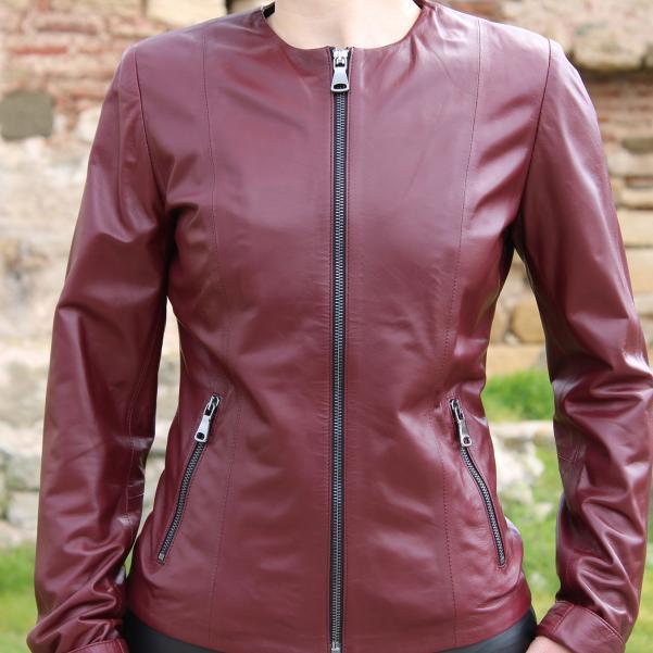 Дамско яке от Агнешка напа цвят бордо