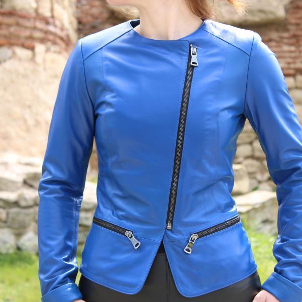 Дамско яке от Агнешка напа цвят кралско синьо