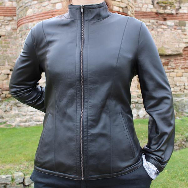 Дамско двулицево кожено яке цвят черен/животински принт