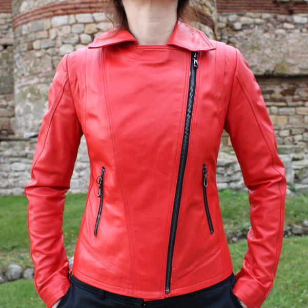 Дамско кожено яке от Агнешка напа цвят червен