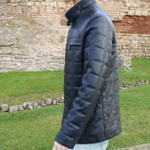 Мъжко яке от Агнешка кожа цвят тъмно син