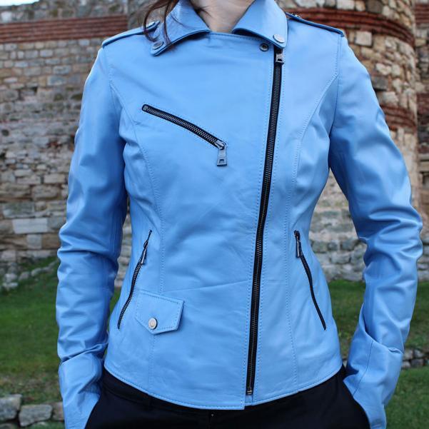 Дамско кожено яке от Агнешка напа цвят светло син