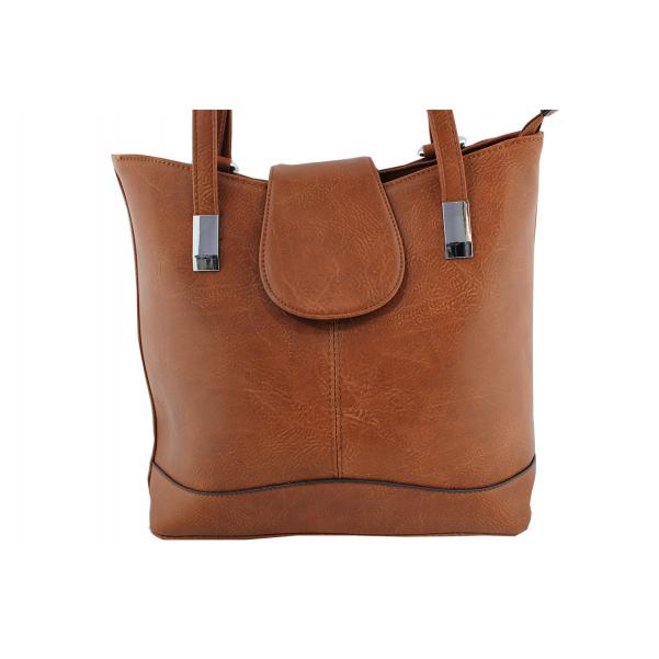Дамска чанта- раница от еко кожа кафяв цвят